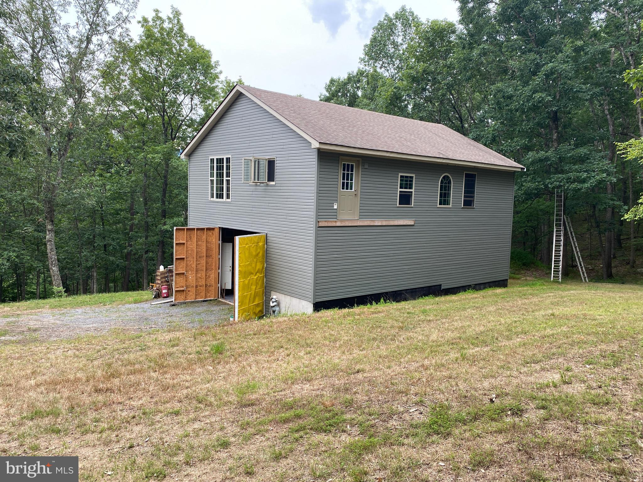 9200 Trout Run Road, Wardensville, WV 26851