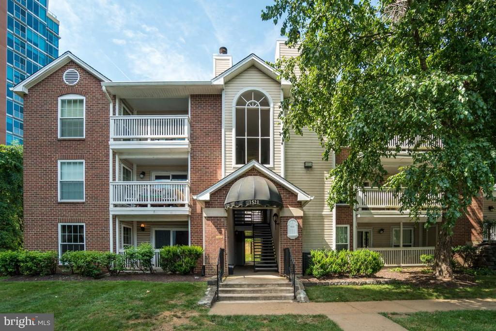 1521 Lincoln Way #101, McLean, VA 22102