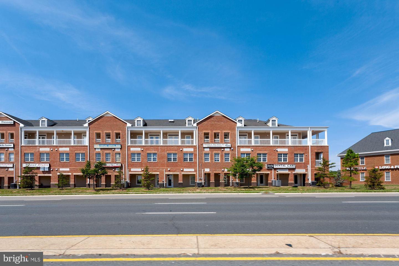 13885 Hedgewood Drive UNIT #317 Woodbridge, VA 22193