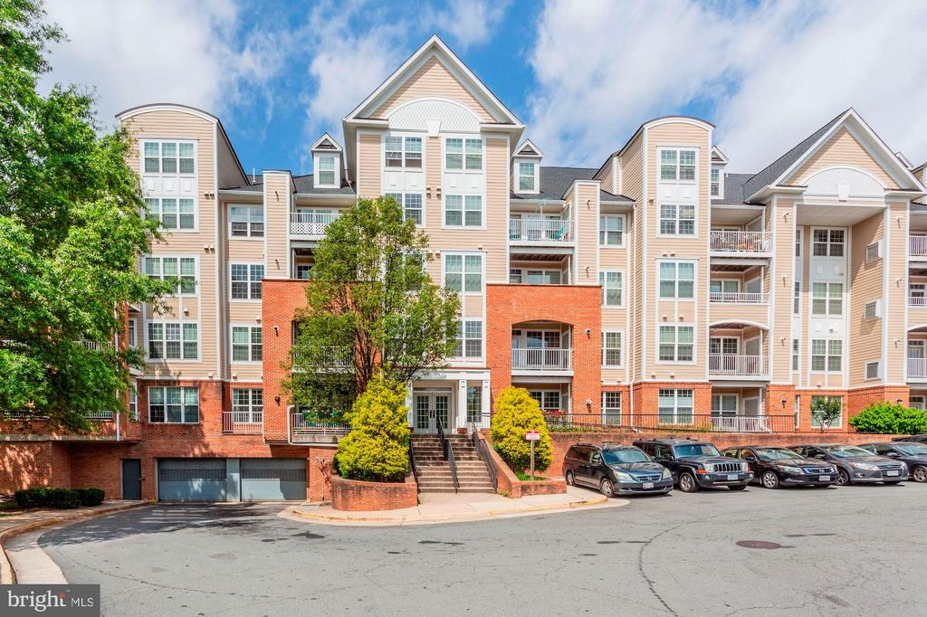 Photo of 2720 Bellforest Ct #408