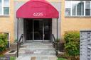 4225 N Henderson Rd #4