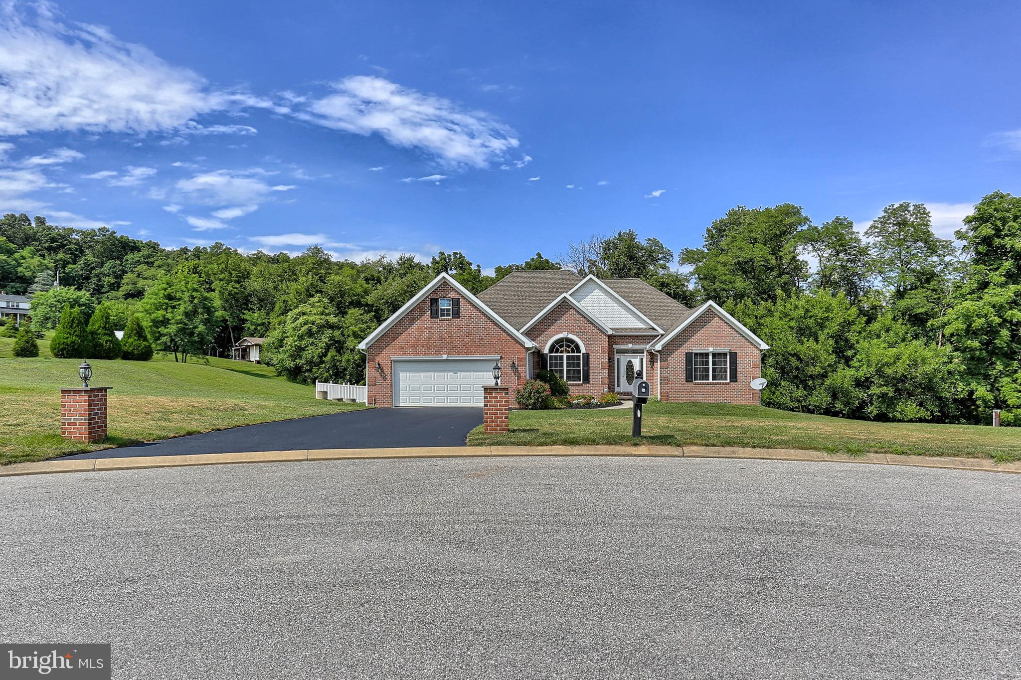 939 Amy Lane, Spring Grove, PA 17362