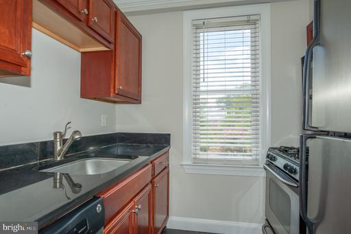 906 S Washington St #301, Alexandria, VA 22314