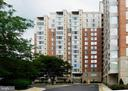 2726 Gallows Rd #812