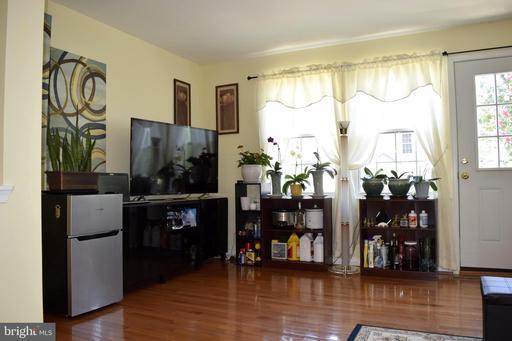 6617 Skylemar Trl Centreville VA 20121