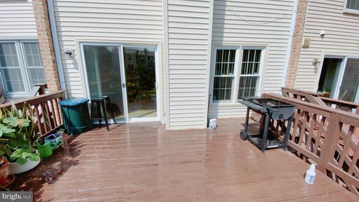 6517 Kemper Lakes Ct Alexandria VA 22312