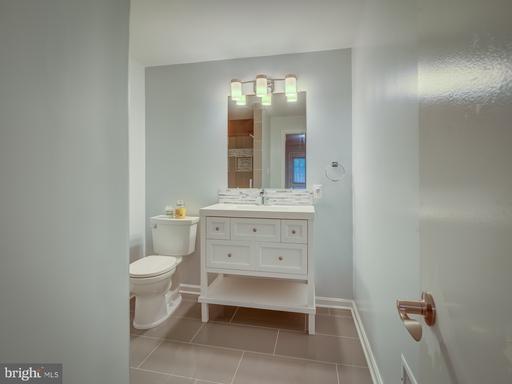 13638 Barren Springs Ct Centreville VA 20121