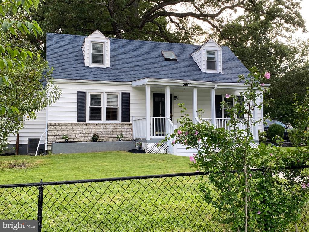 2900 Oak Knoll Dr, Falls Church, VA 22042
