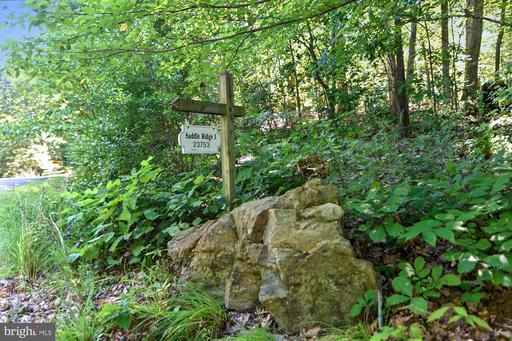 23753 New Mountain Rd Aldie VA 20105