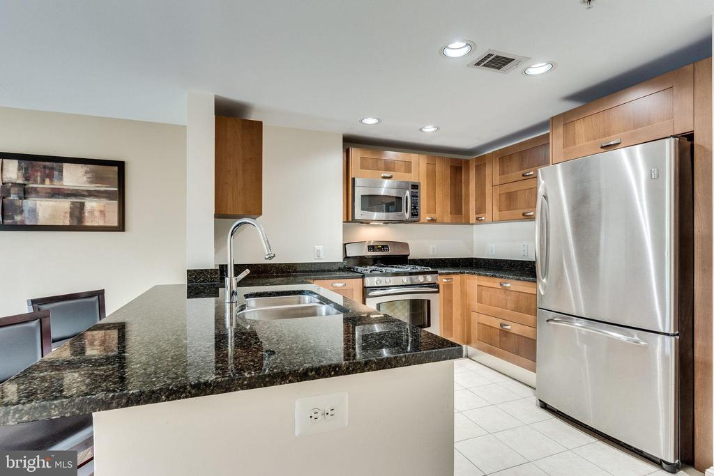 Photo of 2451 Midtown Ave #615