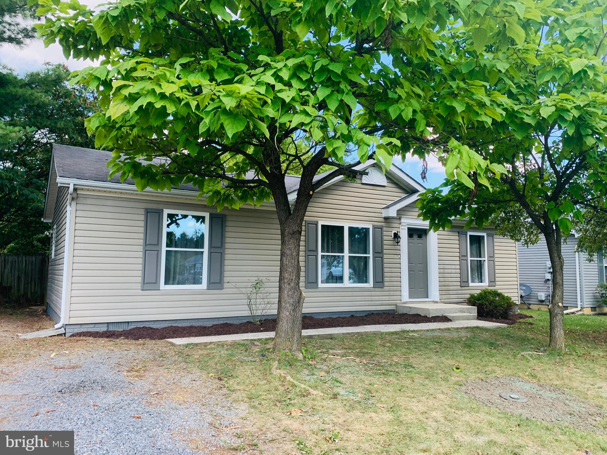 Move in Ready! Ranch style home located on approx. 0.19ac in Springfield Village features fresh paint and flooring. Home features 3 BRs and 2 FBs with a fenced back yard. Seller offering a Home Warranty.