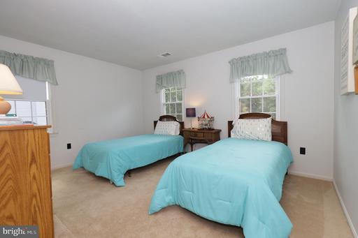 10704 Rippon Lodge Dr Fairfax VA 22032