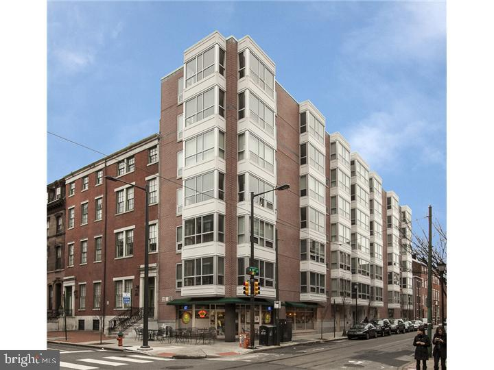 LE GRANIER!!! The ULTIMATE boutique CONDOMINIUM building!!! Now has a fabulous 2 bedroom 2 bath SUNSPLASHED residence with HARDWOOD FLOORS, for rent! ALL OPEN living and dining area Kitchen w/GRANITE countertops,stainless steel appliances, and a breakfast bar. Each bedroom is spacious and gracious,with excellent closet space. Fantastic WASHINGTON WEST location, and just minutes from Jefferson, and Pennsylvania Hospital.