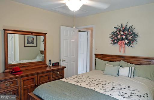 6457 Gristmill Square Ln Centreville VA 20120