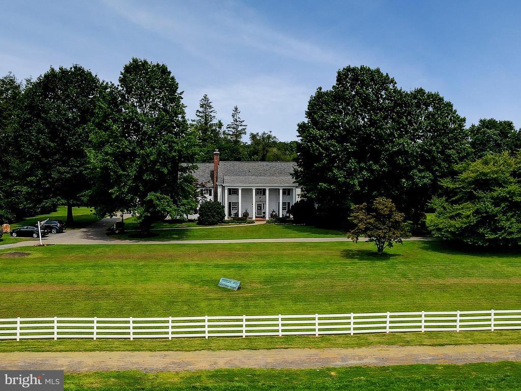 16110 Drayton Farm Dr, Spencerville, MD 20868