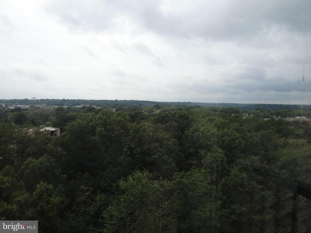 Photo of 5902 Mount Eagle Dr #1216