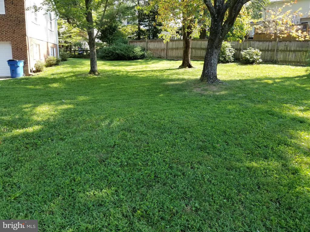 Photo of 8440 Chapelwood Ct