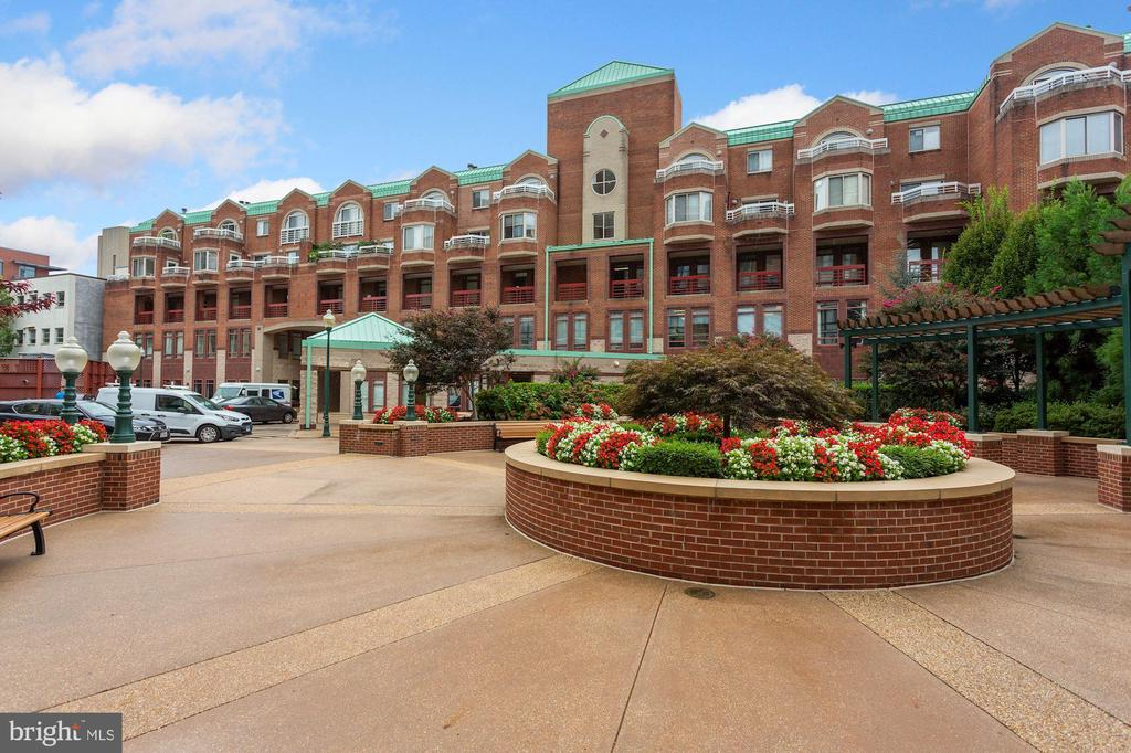 22 COURTHOUSE SQUARE # 411, ROCKVILLE MD 20850