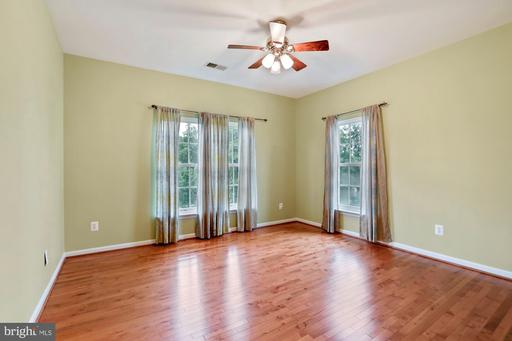 42895 Conquest Cir Brambleton VA 20148