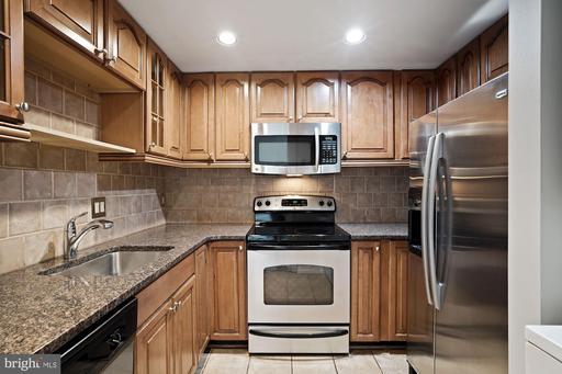 6300 Stevenson Ave #1121, Alexandria, VA 22304