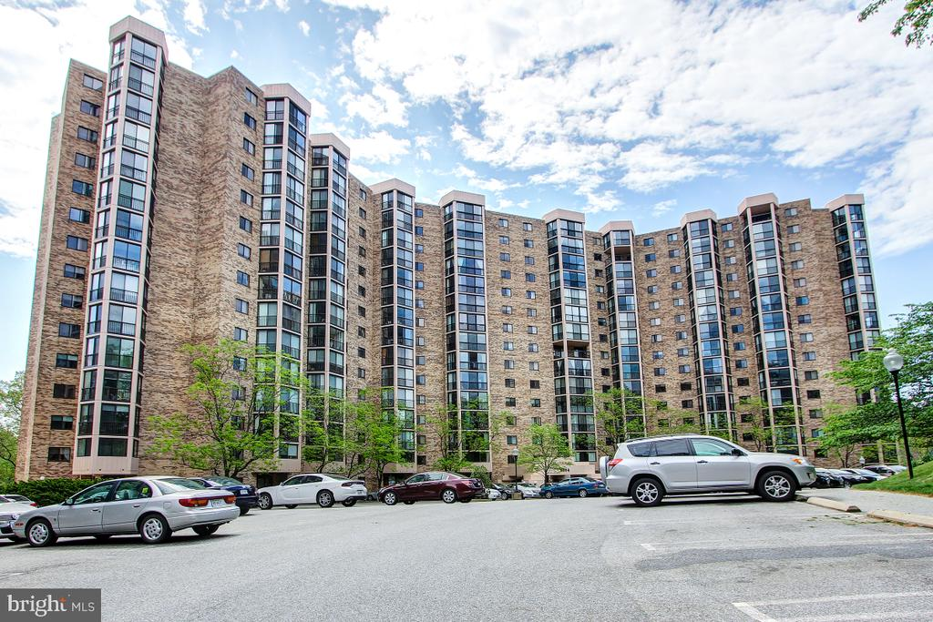 Photo of 5904 Mount Eagle Dr #1503