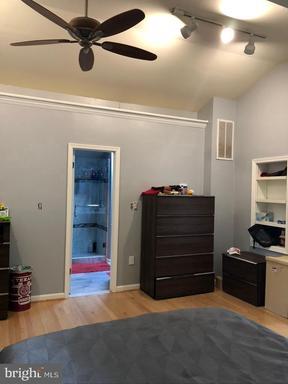 9119 Buckner Rd, Alexandria, VA 22309