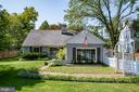 7940 Bolling Dr