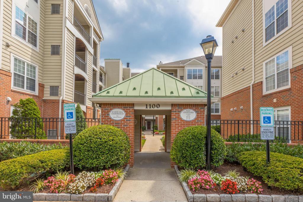 1100 Quaker Hill Dr #319, Alexandria, VA 22314
