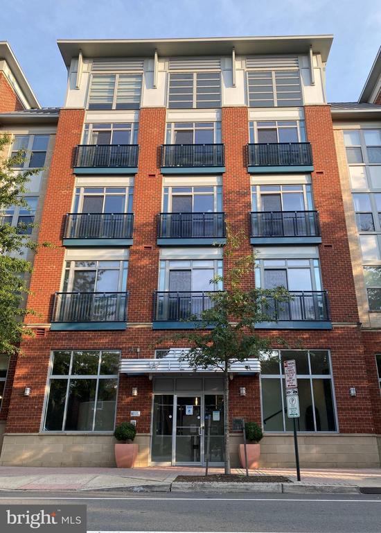 1800 Wilson Blvd #302, Arlington, VA 22201