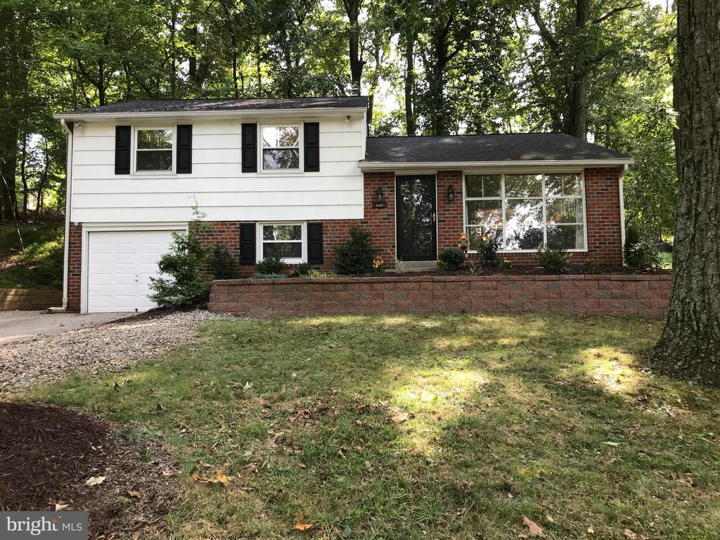 You'll not only fall in love with this adorable split level home in desirable Bob White Farms; but also with the location that puts you within walking distance of Bob White Park and McKaig Nature Center. While KOP Town Center is less than 2 miles away along with downtown Wayne.  600 Forest has a New Roof in 2020,  a Brand New Primary and Half Bath Remodel in 2020 as well as the Remodel of the  Lower level with Paint and New Flooring. Most every room has been recently painted for a fresh new look. This Move In Ready Split Level has 3 bedrooms, 2.5 baths, Large Kitchen and Dining area with chandelier and Bay window with access out the back door to a lovely Private Paver Patio. Living room has floor to ceiling Picture Window - Hardwood Floors through out the Main and Upper Levels with some tile. Family room, Half Bath and Laundry are on the lower level. Extra Added Storage in the walk up Attic space in the Upper Level Hallway! Private rear lot, Upper Merion taxes, nearby schools, plus shopping and restaurants for your convenience. Don't miss this this rare opportunity to own this gem in such a great neighborhood!