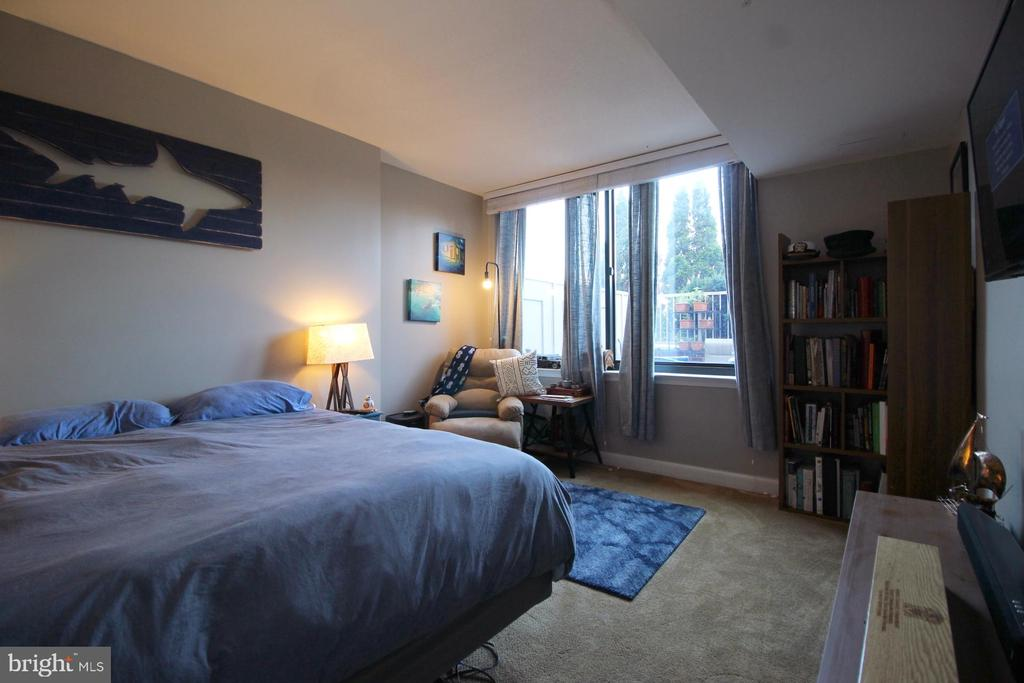 Photo of 2451 Midtown Ave #722
