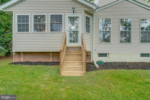 20627 Coppersmith Dr Ashburn VA 20147