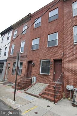 Property for sale at 521 S 17th St #1r, Philadelphia,  Pennsylvania 19146