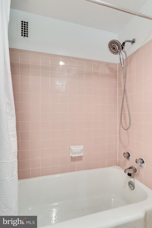 Photo of 200 N Maple Ave #217