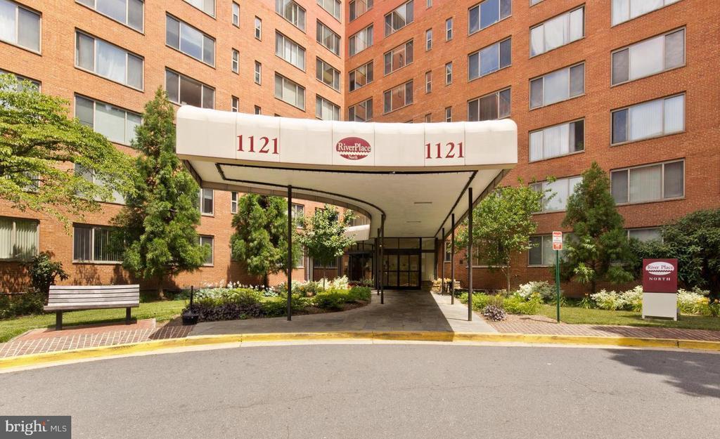 1121 ARLINGTON BOULEVARD # 906, ARLINGTON VA 22209