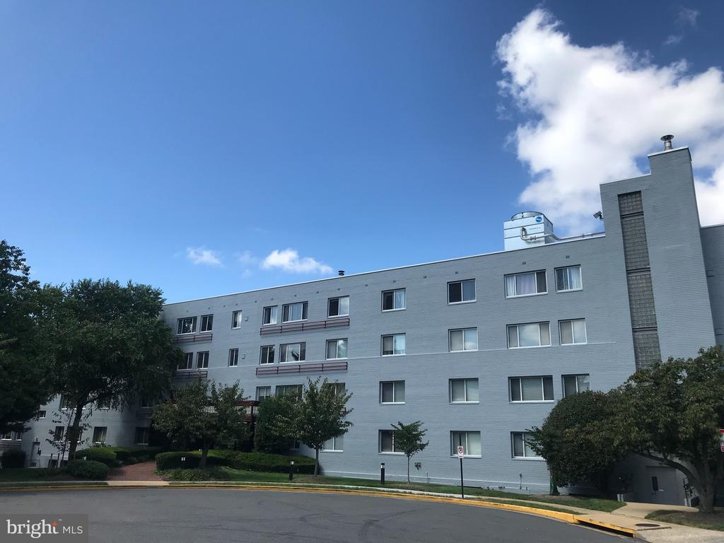 3701 5th St S #509, Arlington, VA 22204