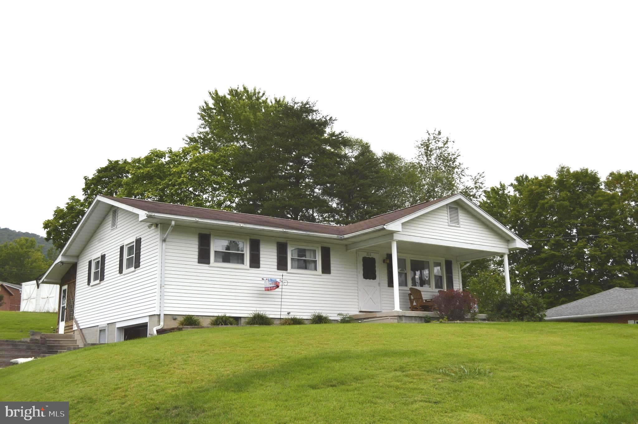 221 Garfield, Ridgeley, WV 26753