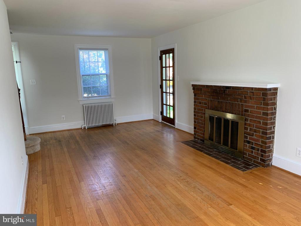 Photo of 100 W Nelson Ave