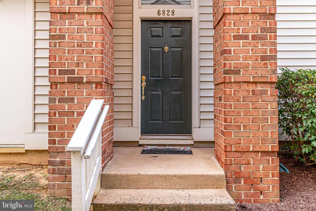 6828 Brindle Heath Way #250, Alexandria, VA 22315