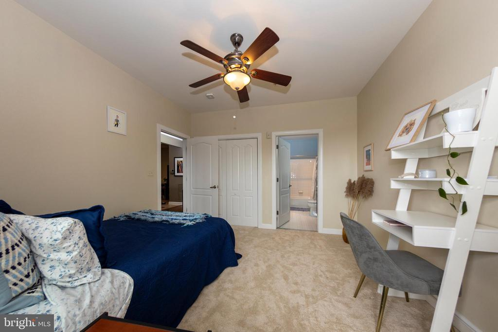 Photo of 400 Cameron Station Blvd #236