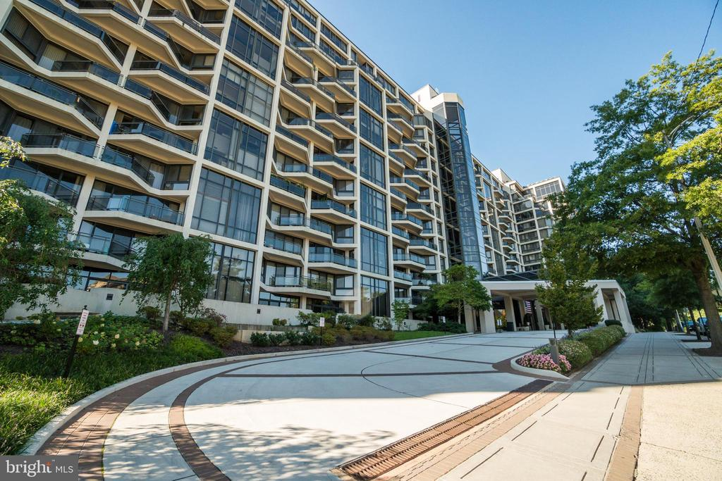 1530 Key Blvd #207, Arlington, VA 22209