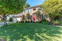 2324 Lakeshire Dr