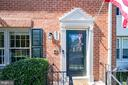 6037 Queenston St