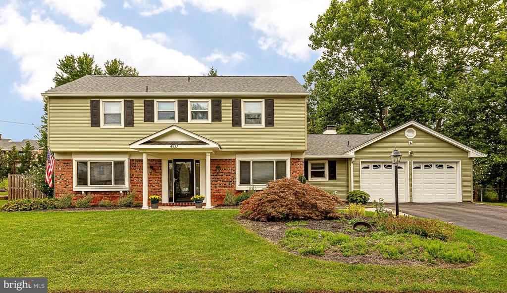 4111 Meadow Hill Ln, Fairfax, VA 22033