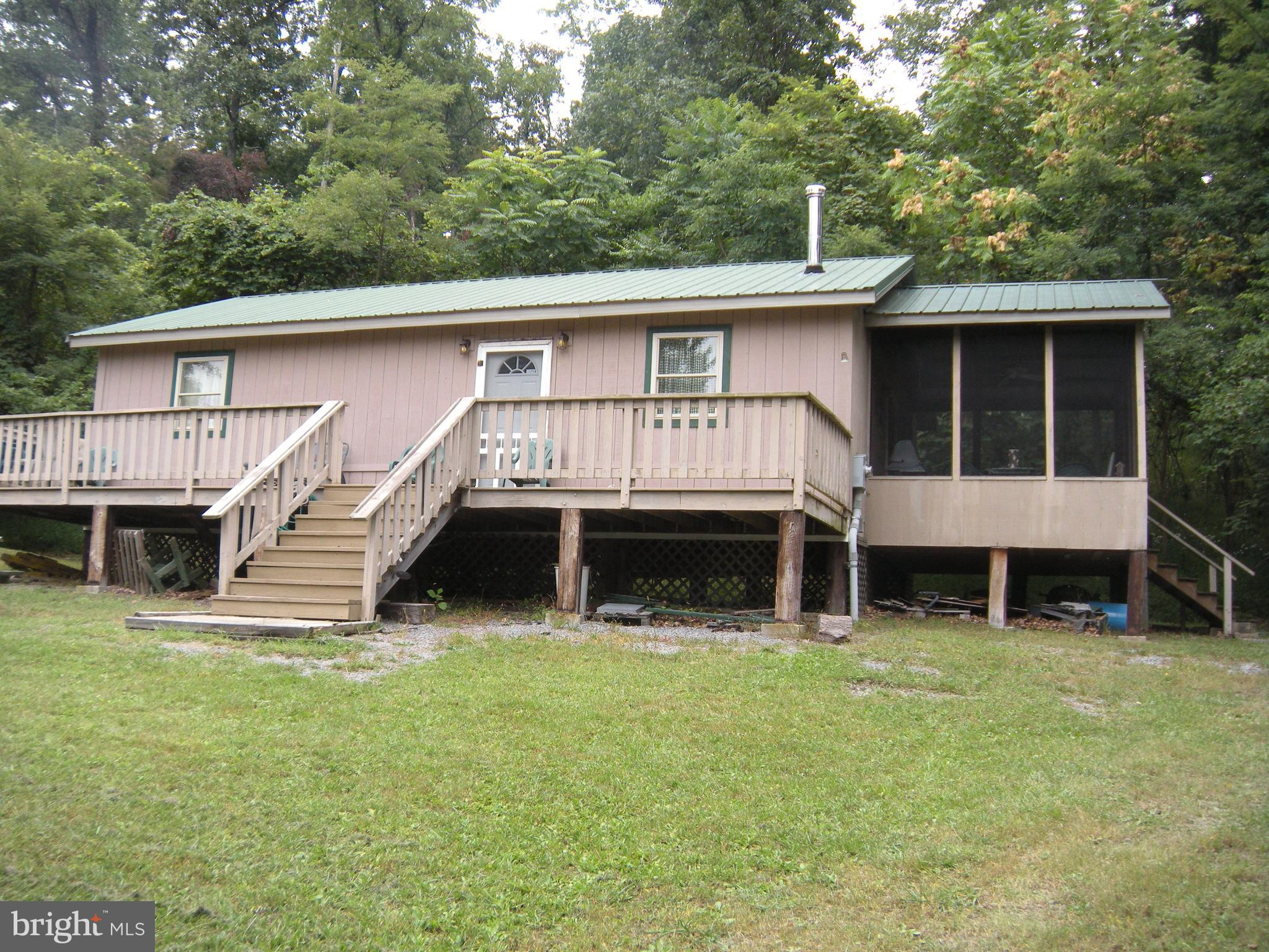 573 Mountain Top Road, Bloomery, WV 26817