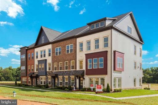 123 Armstrong Pl #15w, Gaithersburg, MD 20878