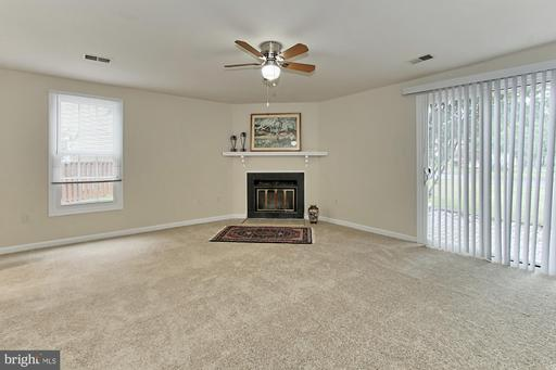 5917 Grisby House Ct Centreville VA 20120