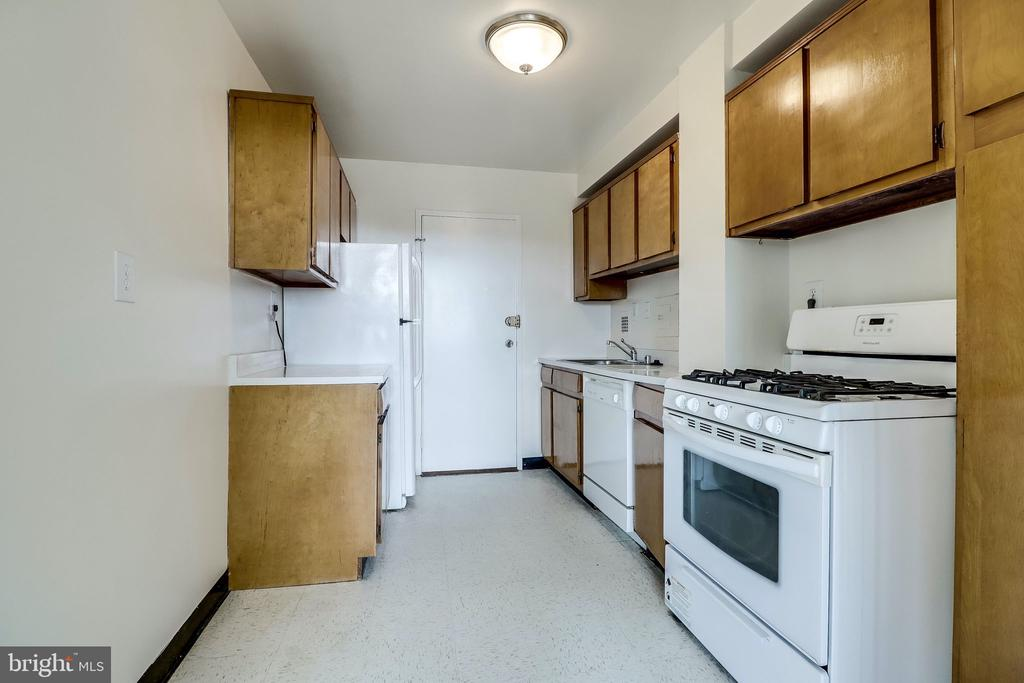 Photo of 6641 Wakefield Dr #713