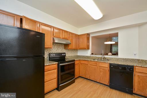 8310 Linden Oaks Ct Lorton VA 22079