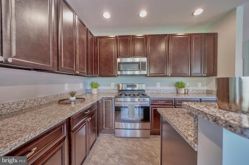 13258 Maple Creek Ln Centreville VA 20120